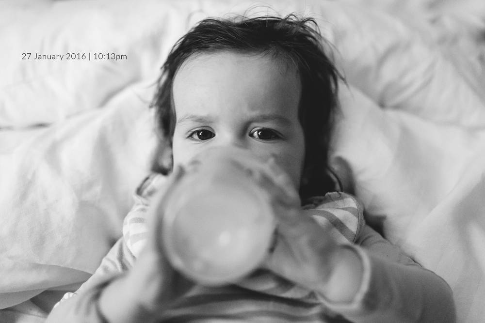 baby-drinking-bottle-family-photography-photo-a-day-project-day-27.jpg