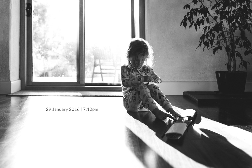 girl-silhouette-family-photography-photo-a-day-project-day-29.jpg