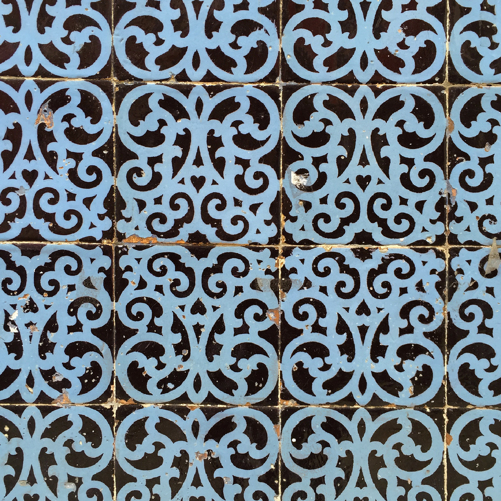 Blue Black Scroll Tiles.jpg