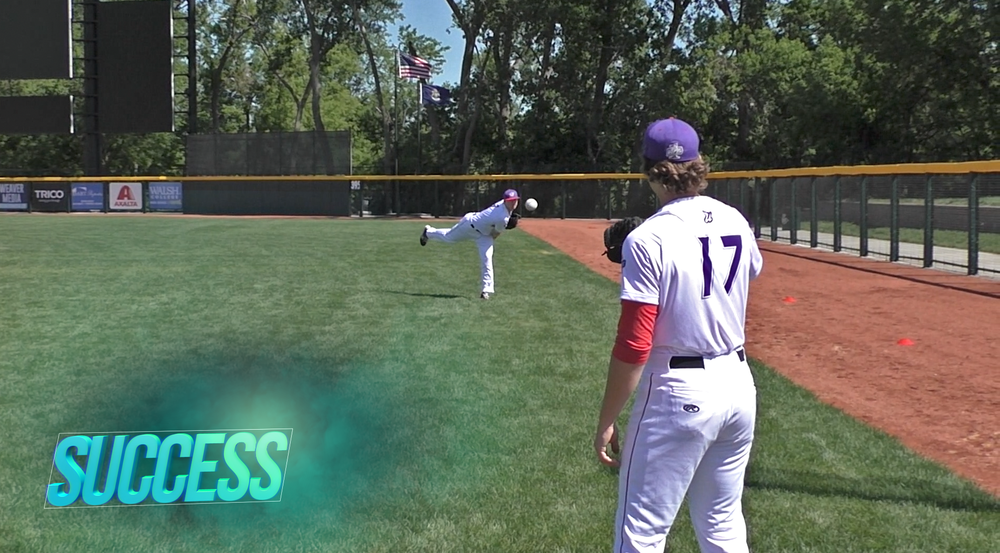 Online program features videos of players exemplifying characteristics of efficient throws.