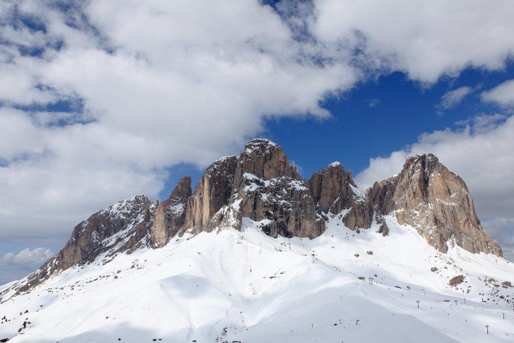 Dolomiti Landscape!    Italy. 04 April 2009. 1/200 s, f/14, ISO 100, 25 mm, EOS 5D MarkII + EF 24-70 f/2.8 L