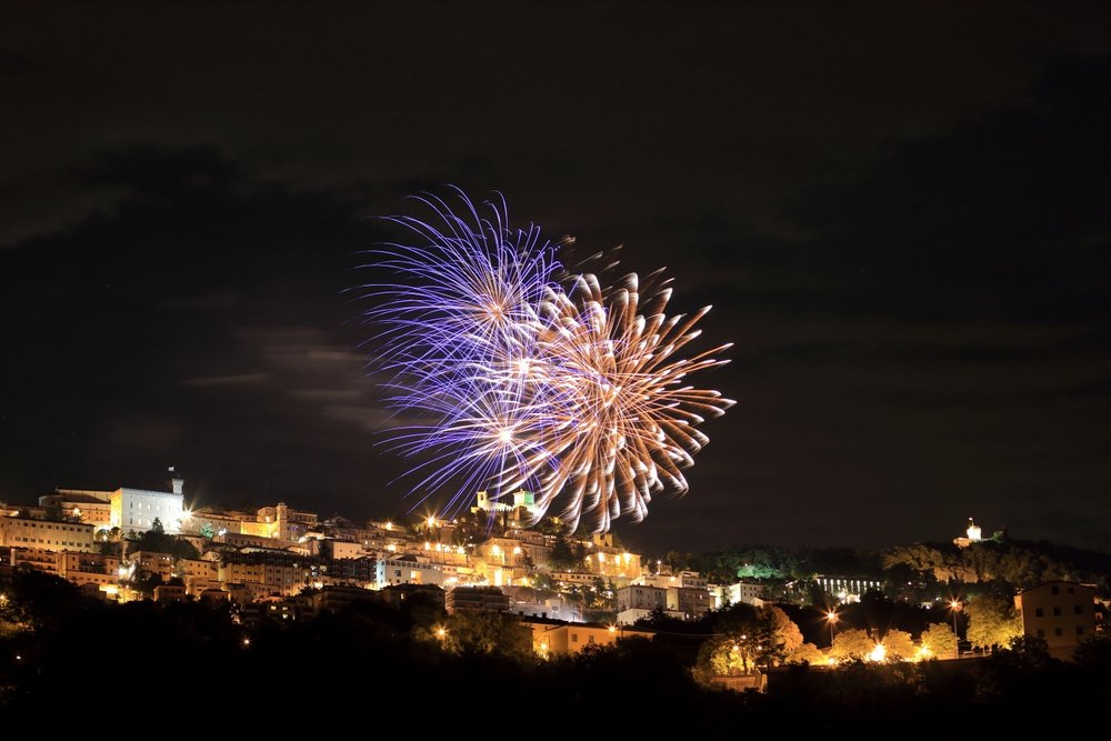 FireWorks!!    National Day, 3 of September, Rep. of San Marino. 03 September 2015. 4 s, f/3.2, ISO 100, EOS 1200D + EF 50 f/1.4