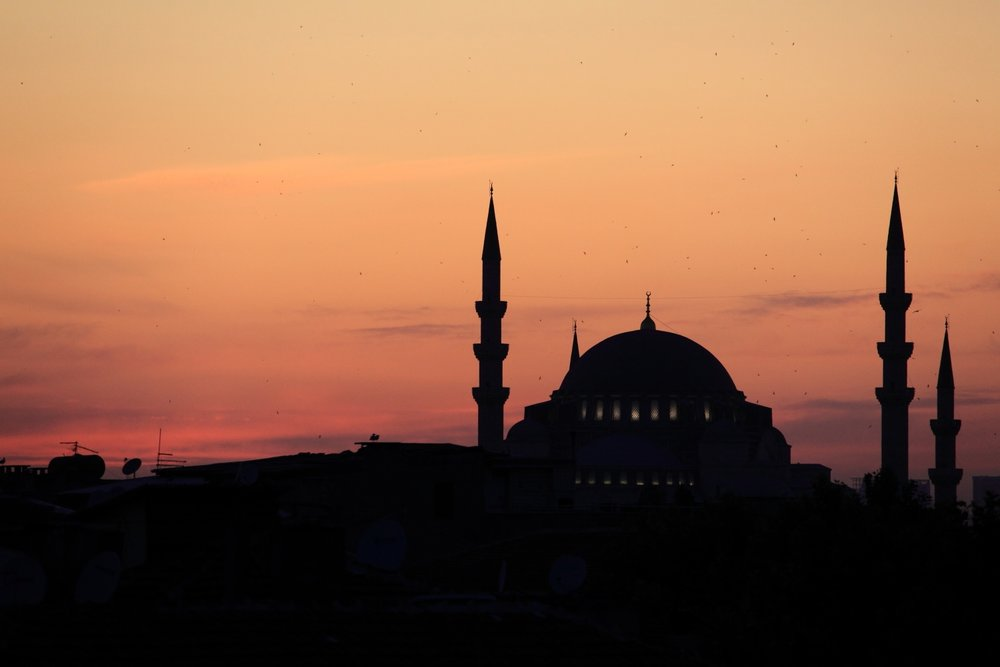 The sunset & the mosque... Other cultures, other emotions... Istanbul, Turkey. 16 July 2011. 1/250 s, f/7.1, -2/3 EV, ISO 800, 300 mm, EOS 5D MarkII + EF 28-300 L