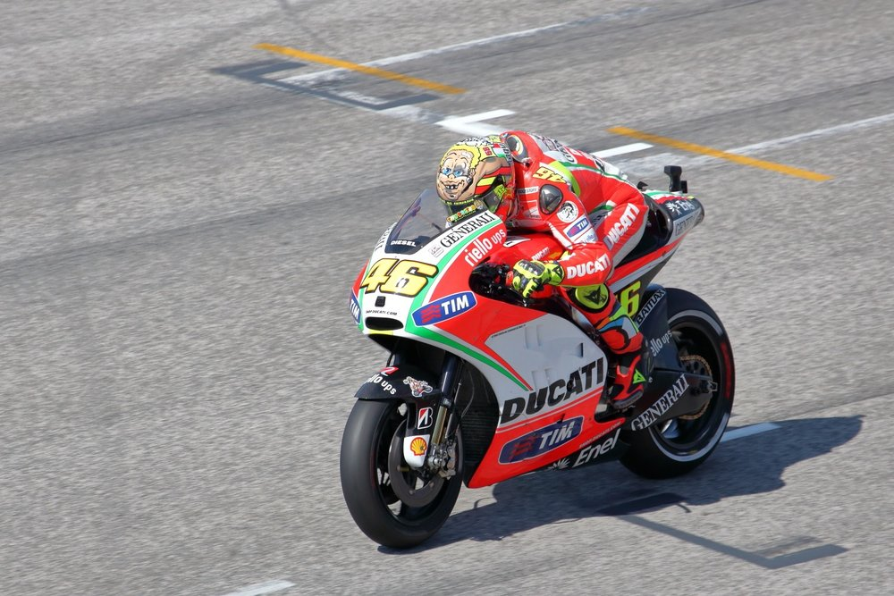 Vale & Ducati @2012    MotoGP @ 2012 Misano Adriatico & Rep. of San Marino. 16 September 2012. 1/2500 s, f/7.1, +2/3 EV, ISO 640, 300 mm, EOS 5D MkII + EF 28-300 L