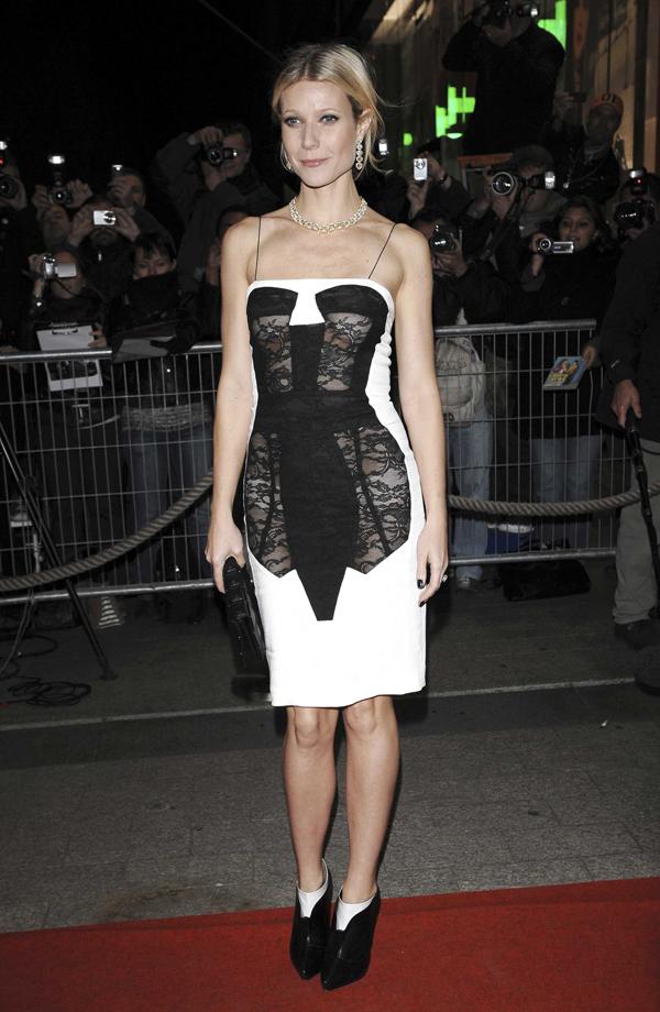 Trompe_loeil_corset_dress_designed_by_Antonio_Berardi_SS_2009_Worn_by_Gwyneth_Paltrow__Sipa_Press_REX_Shutterstock.jpg