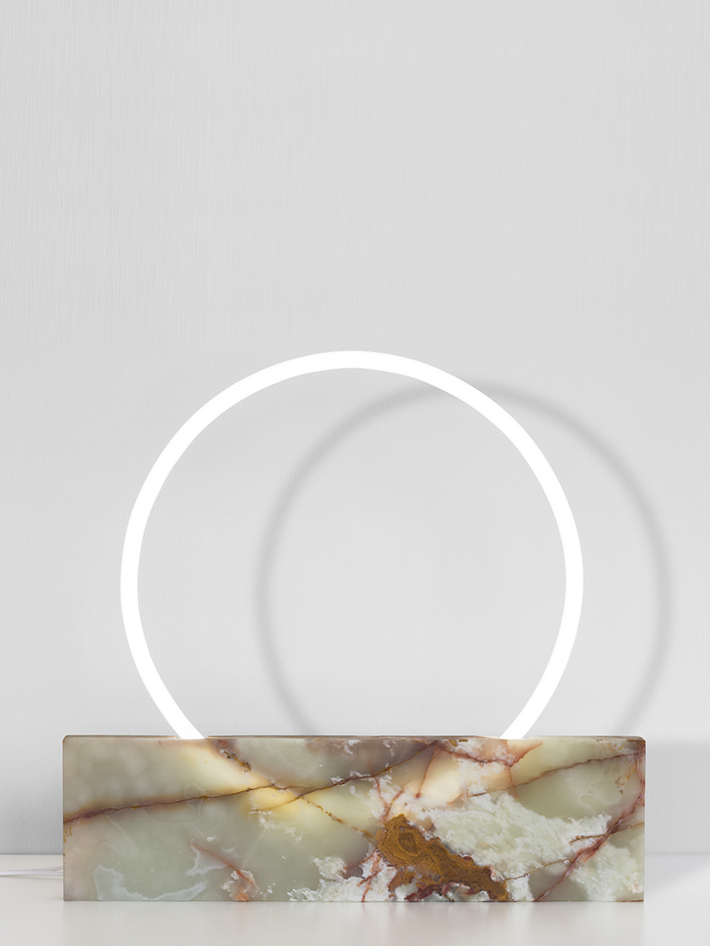 Medium lamp onyx vertical.jpg