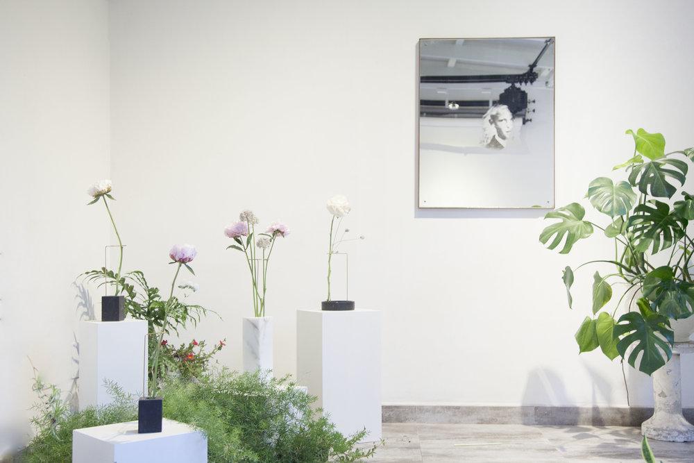 posture vases - bloc studio