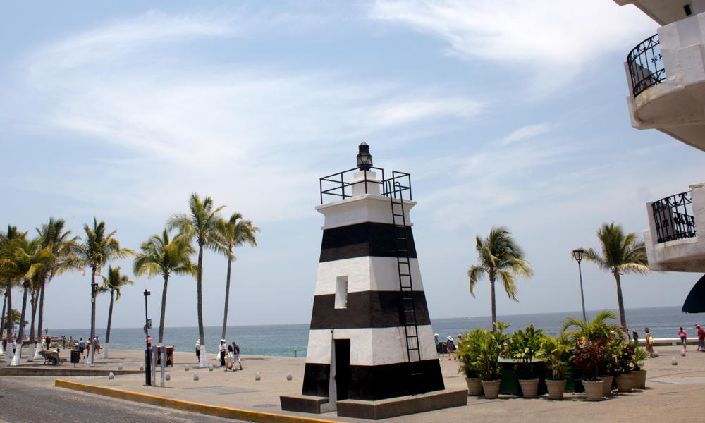 melecon-lighthouse-puerto-vallarta.png