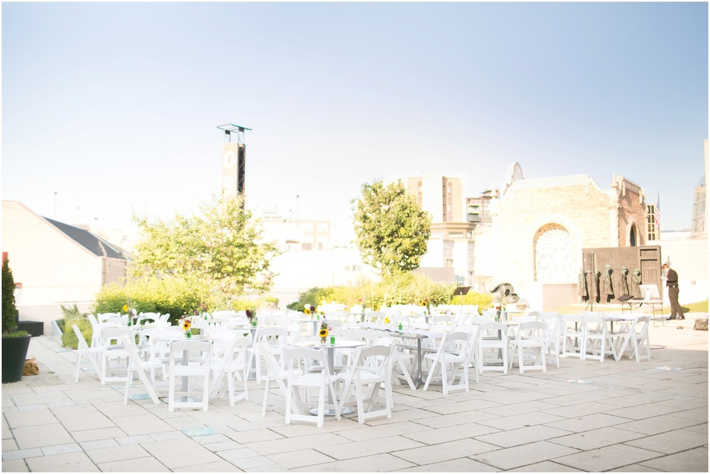 Downtown_Madison_Wisconsin_Rooftop_Fresco_Wedding_0075.jpg