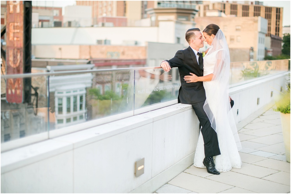 Downtown_Madison_Wisconsin_Rooftop_Fresco_Wedding_0081.jpg