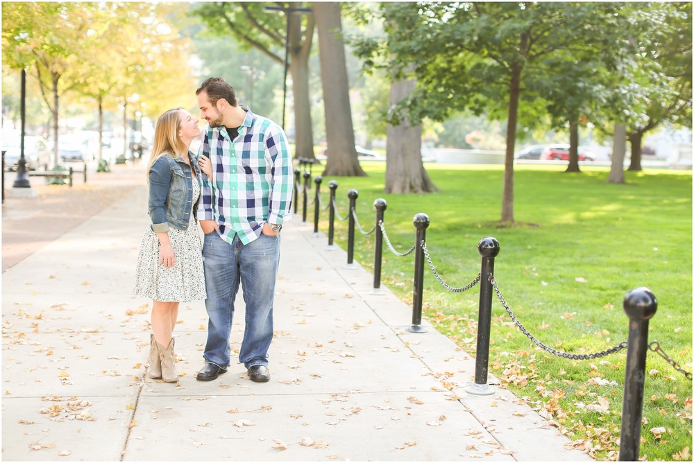 Madison_Wisconsin_Engagement_Photographer_0002.jpg