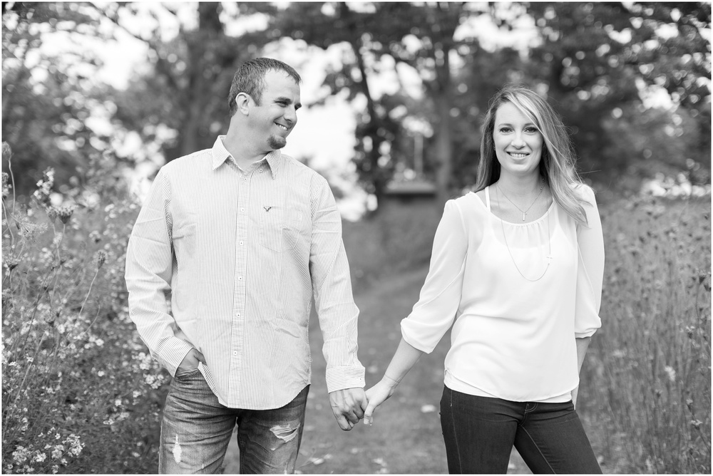 Olin_Park_Engagement_Session_Madison_Wisconsin_0003.jpg