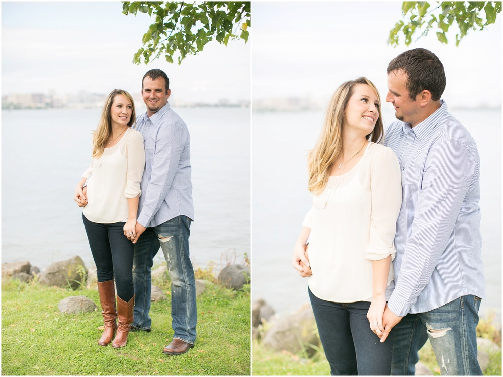 Olin_Park_Engagement_Session_Madison_Wisconsin_0006.jpg