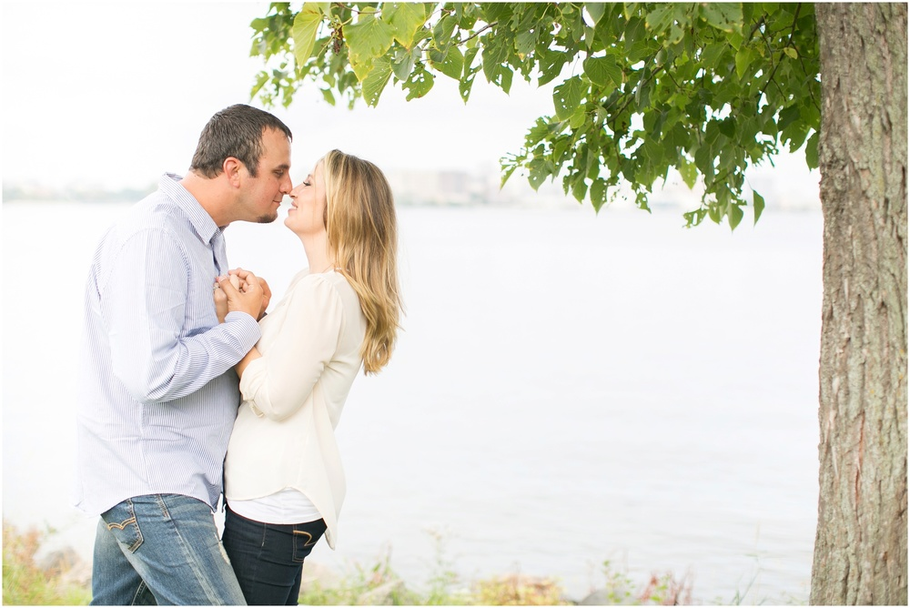Olin_Park_Engagement_Session_Madison_Wisconsin_0012.jpg