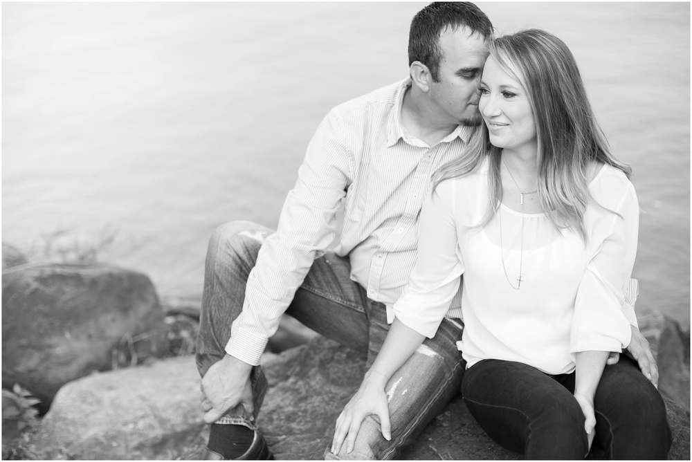 Olin_Park_Engagement_Session_Madison_Wisconsin_0013.jpg