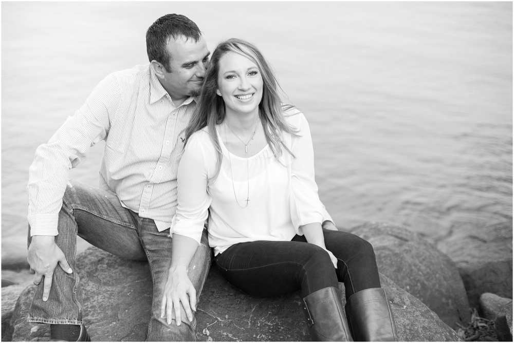 Olin_Park_Engagement_Session_Madison_Wisconsin_0015.jpg