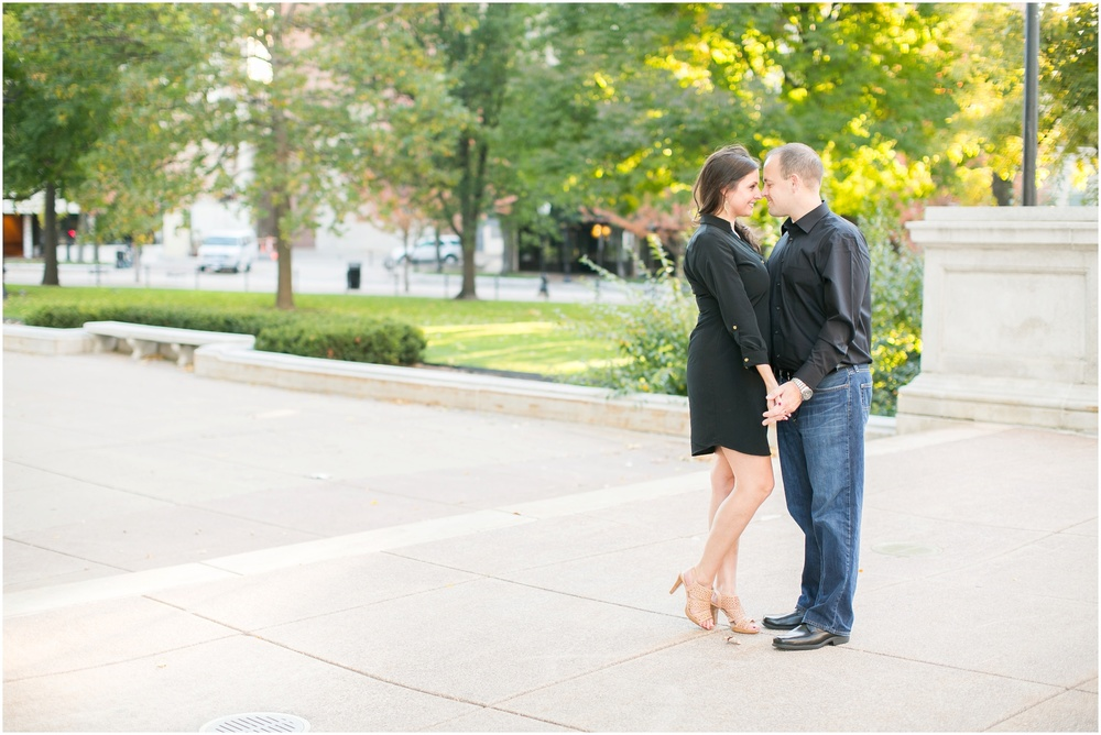 Downtown_Engagement_Session_Madison_Wisconsin_0092.jpg