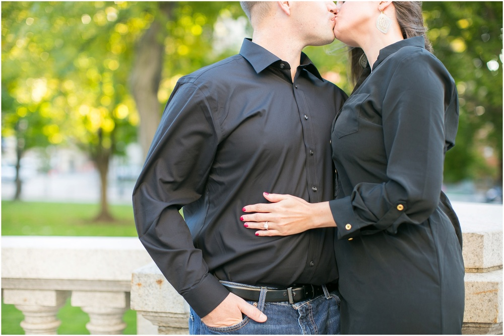 Downtown_Engagement_Session_Madison_Wisconsin_0094.jpg