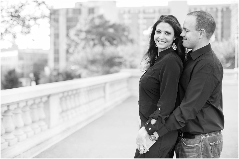 Downtown_Engagement_Session_Madison_Wisconsin_0101.jpg