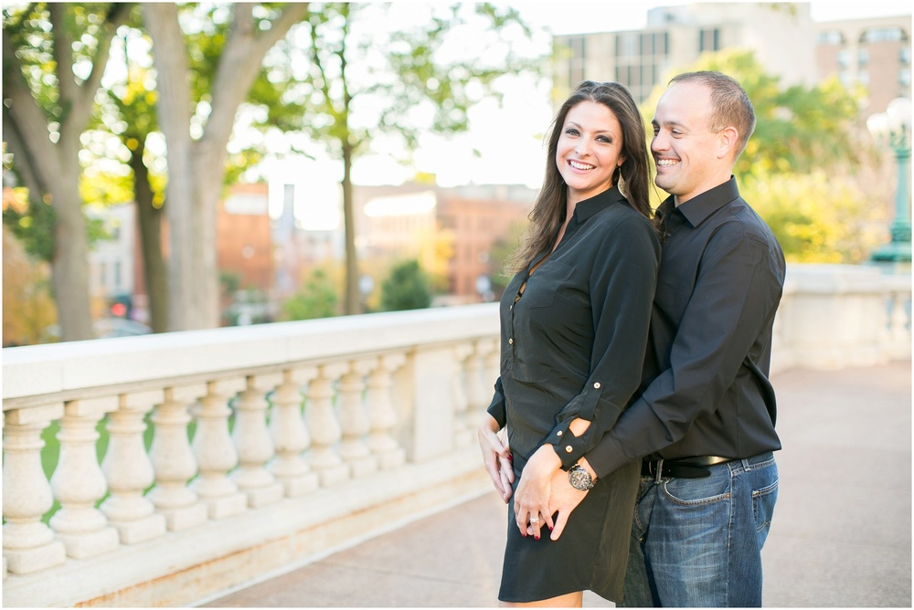 Downtown_Engagement_Session_Madison_Wisconsin_0103.jpg