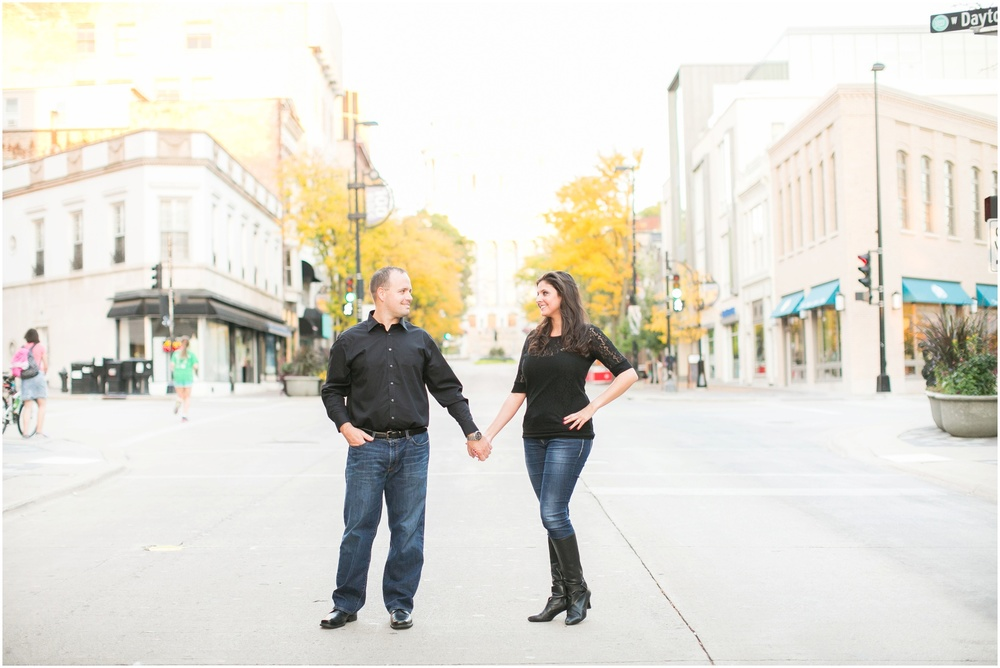 Downtown_Engagement_Session_Madison_Wisconsin_0107.jpg