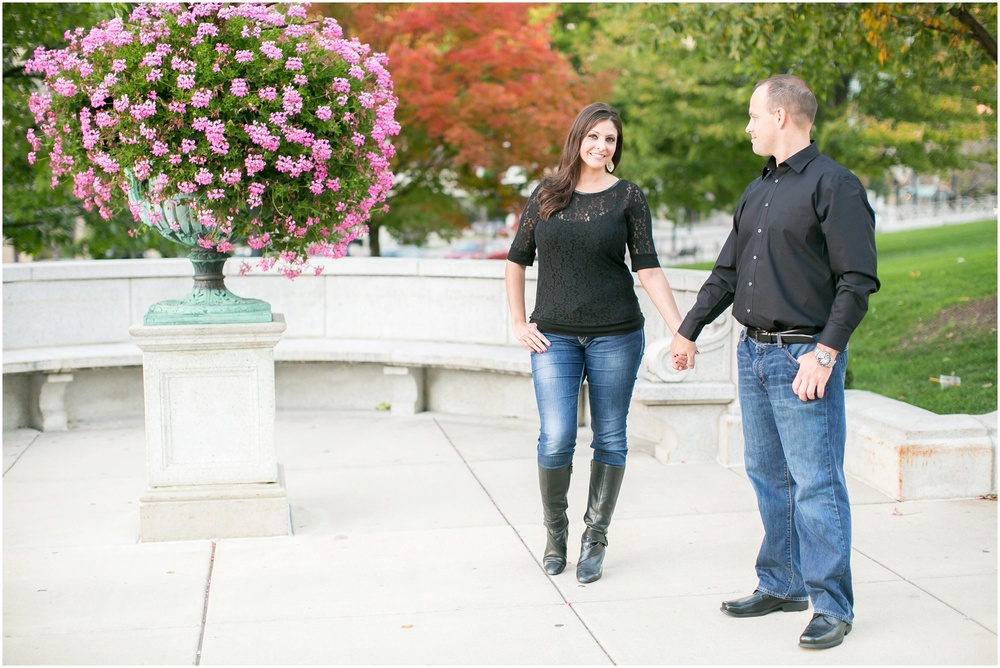 Downtown_Engagement_Session_Madison_Wisconsin_0111.jpg