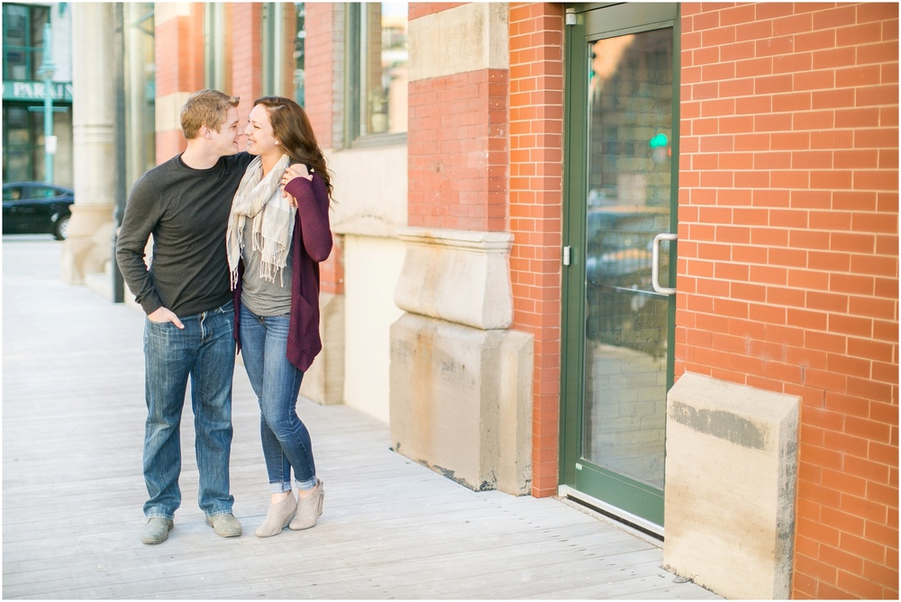 Third_Ward_Milwaukee_Wisconsin_Fall_Engagement_Session_0010.jpg