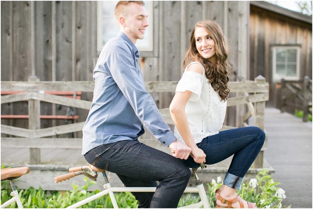 Madison_Wisconsin_wedding_Photographers_Beckman_Mill_Park_0200.jpg