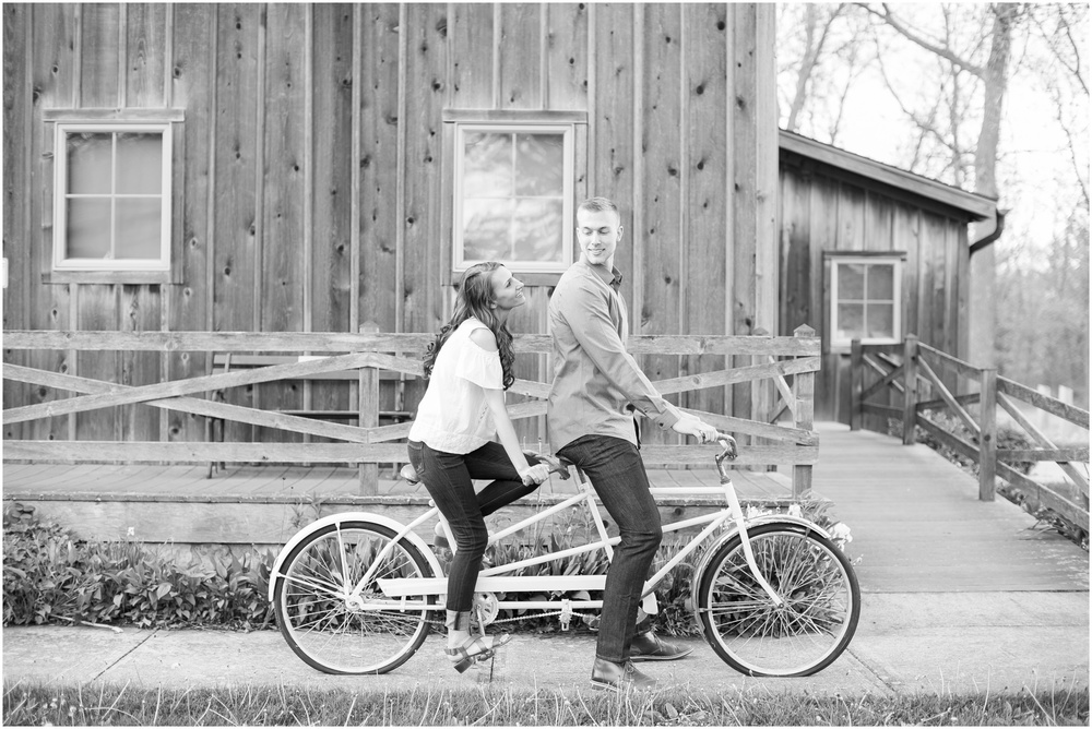 Madison_Wisconsin_wedding_Photographers_Beckman_Mill_Park_0205.jpg