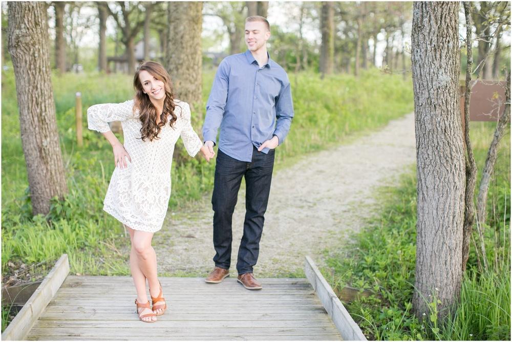 Madison_Wisconsin_wedding_Photographers_Beckman_Mill_Park_0207.jpg