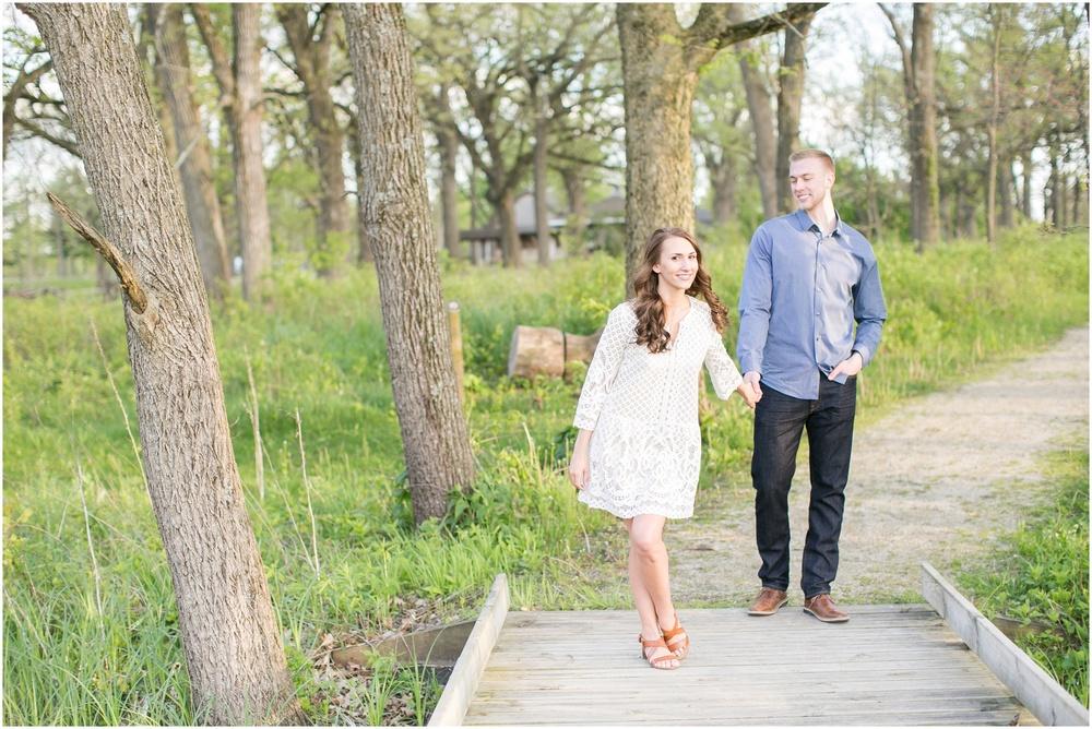Madison_Wisconsin_wedding_Photographers_Beckman_Mill_Park_0208.jpg