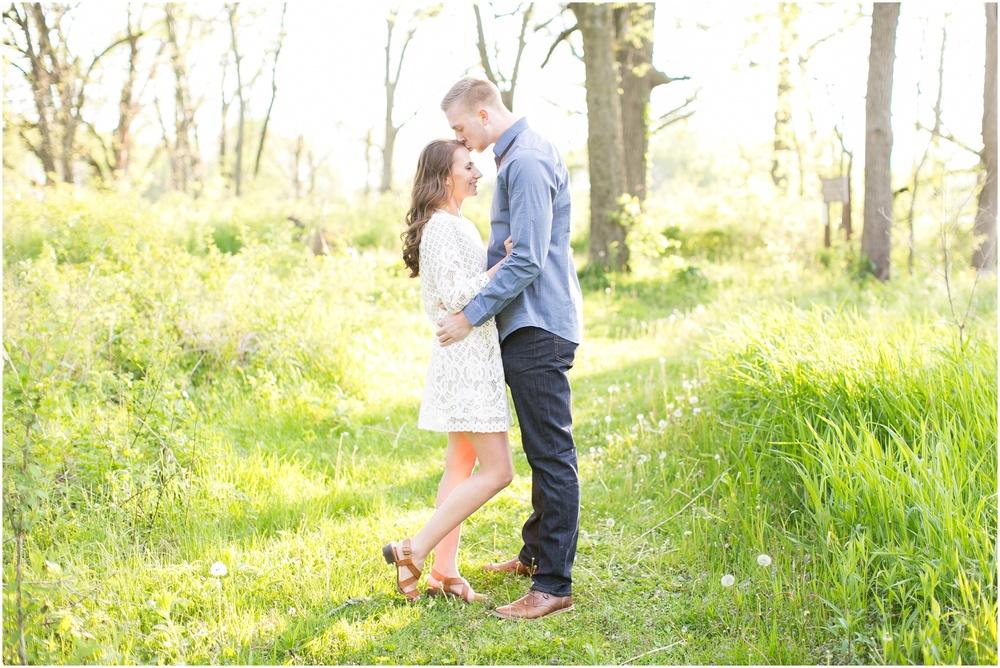 Madison_Wisconsin_wedding_Photographers_Beckman_Mill_Park_0213.jpg