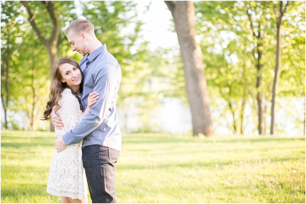 Madison_Wisconsin_wedding_Photographers_Beckman_Mill_Park_0216.jpg