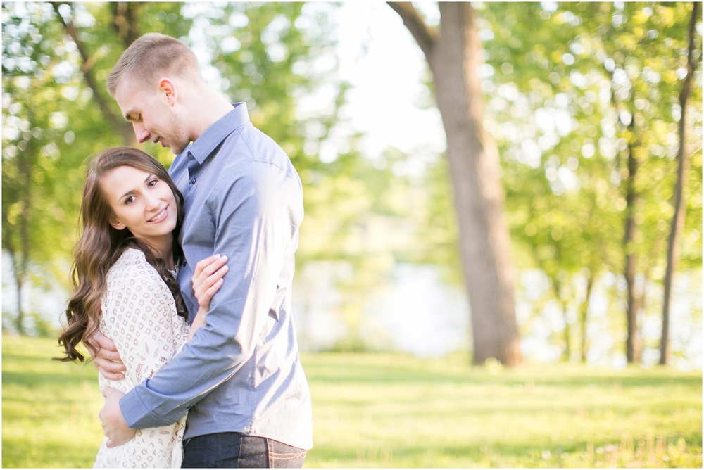 Madison_Wisconsin_wedding_Photographers_Beckman_Mill_Park_0218.jpg