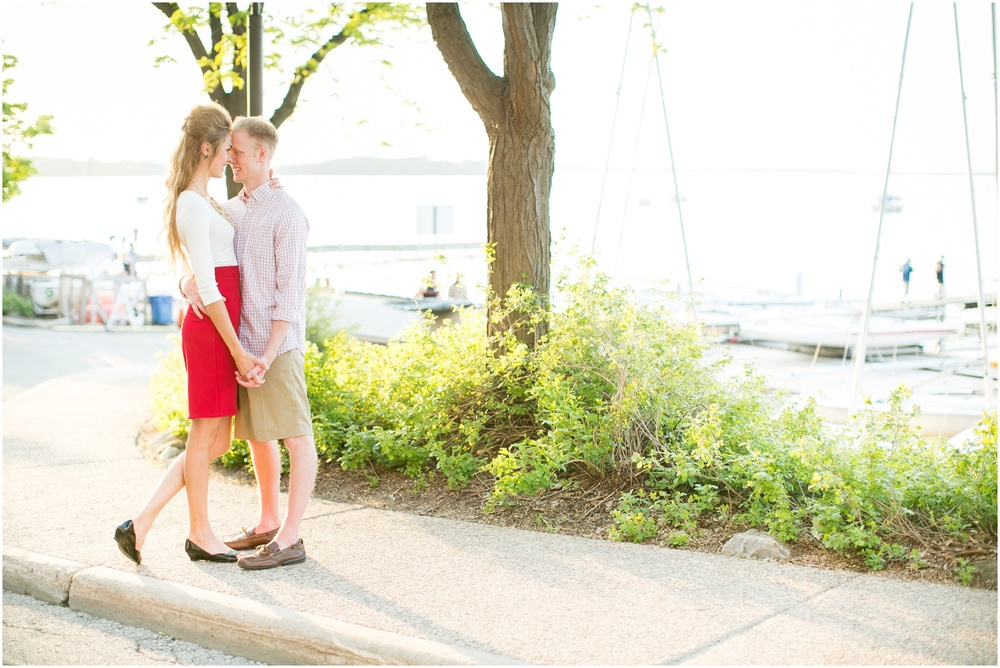 Downtown_Madison_Wisconsin_Engagement_Session_0284.jpg