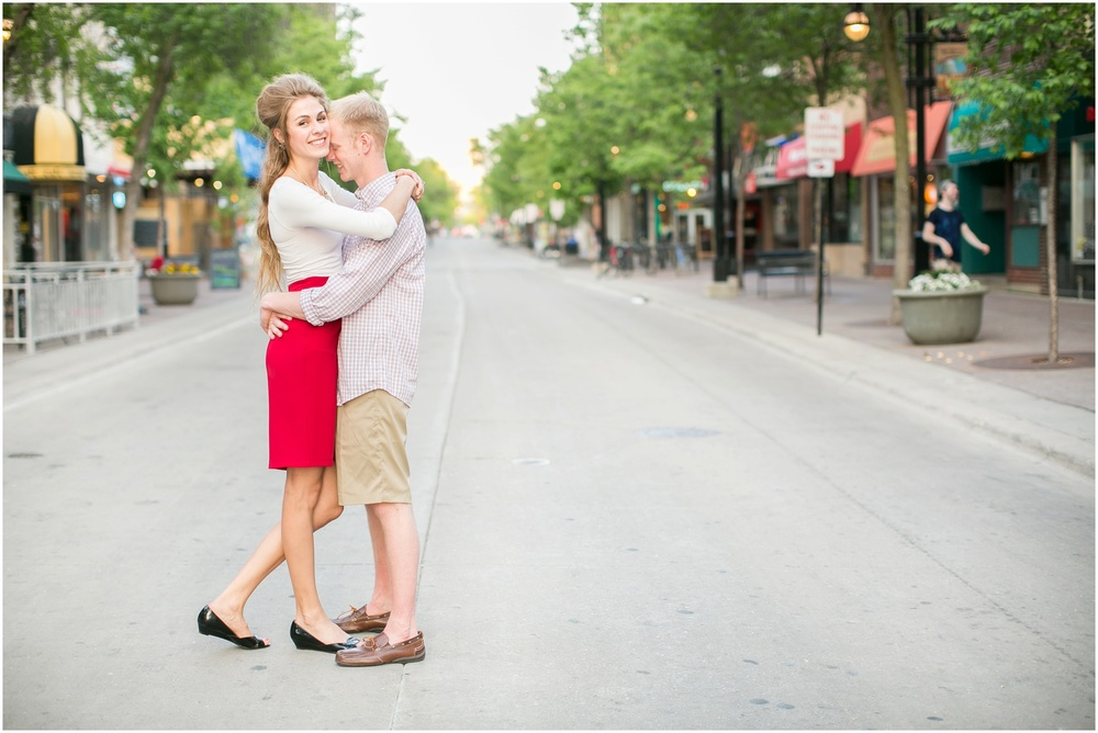 Downtown_Madison_Wisconsin_Engagement_Session_0287.jpg