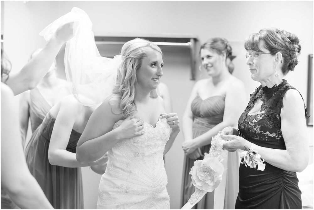 Appleton_Wisconsin_Radisson_Paper_Valley_Hotel_Wedding_0415.jpg