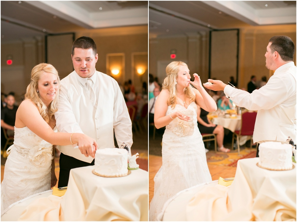 Appleton_Wisconsin_Radisson_Paper_Valley_Hotel_Wedding_0451.jpg