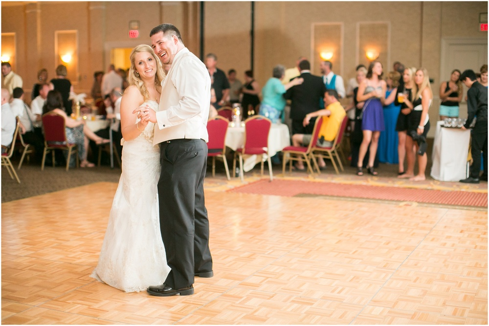 Appleton_Wisconsin_Radisson_Paper_Valley_Hotel_Wedding_0453.jpg