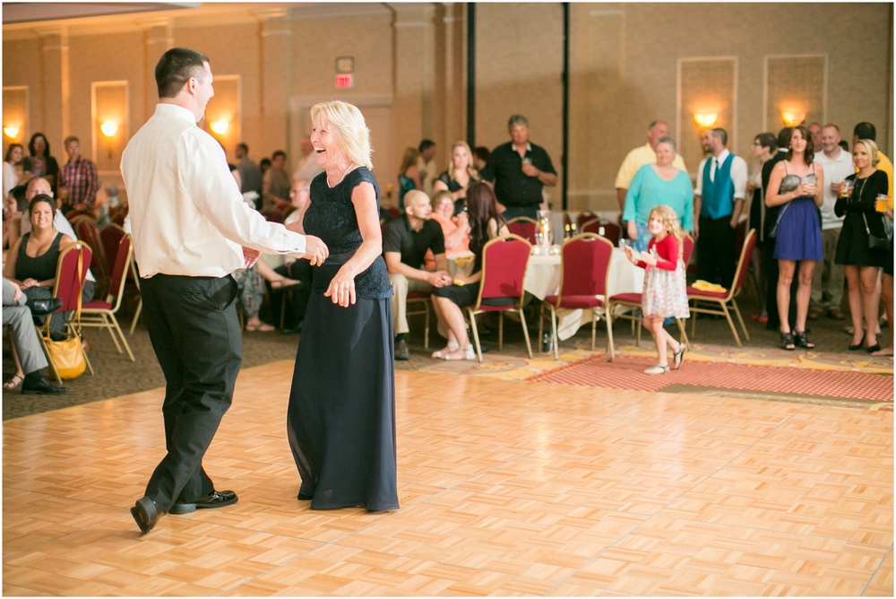 Appleton_Wisconsin_Radisson_Paper_Valley_Hotel_Wedding_0455.jpg