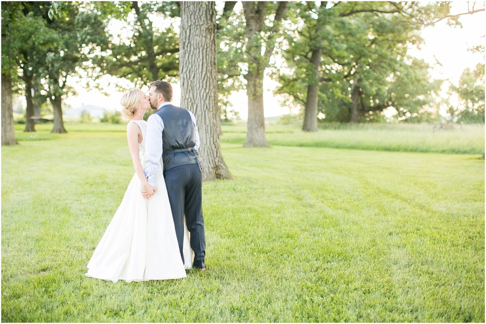 Madison_Wisconsin_Wedding_Private_Residance_Edwards_Apple_Orchard_0554.jpg