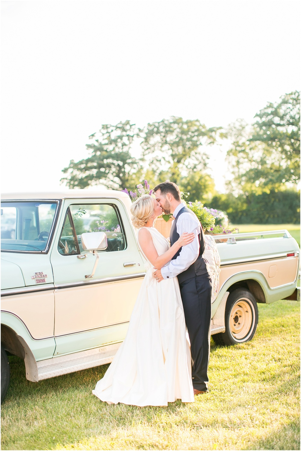 Madison_Wisconsin_Wedding_Private_Residance_Edwards_Apple_Orchard_0559.jpg