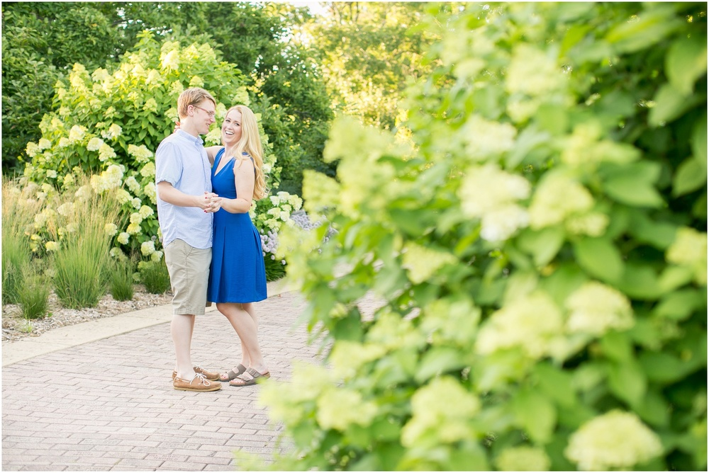 Olbrich_Botanical_Gardens_Madison_Wisconsin_Engagement_Session_0795.jpg