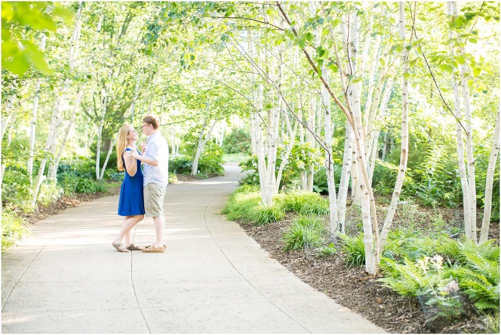 Olbrich_Botanical_Gardens_Madison_Wisconsin_Engagement_Session_0800.jpg