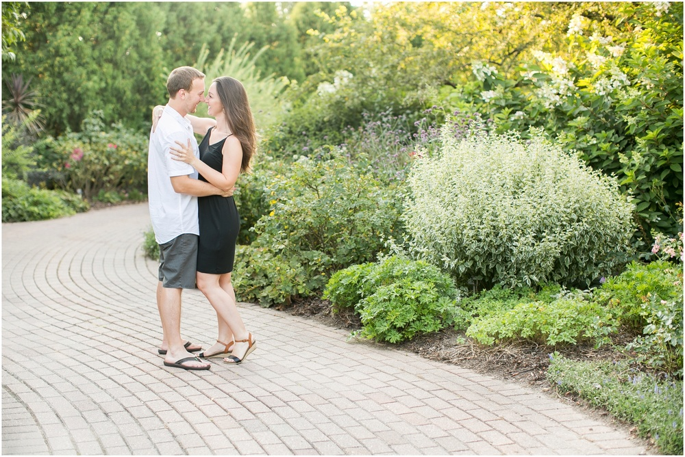 Olbrich_Botanical_Gardens_Madison_Wisconsin_Engagement_Session_0817.jpg