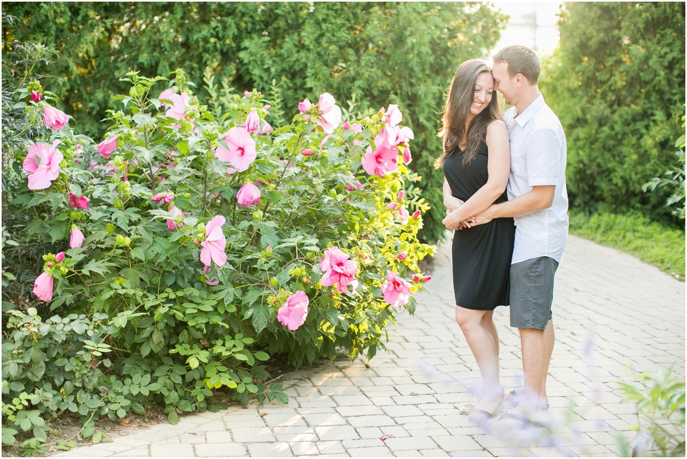 Olbrich_Botanical_Gardens_Madison_Wisconsin_Engagement_Session_0820.jpg