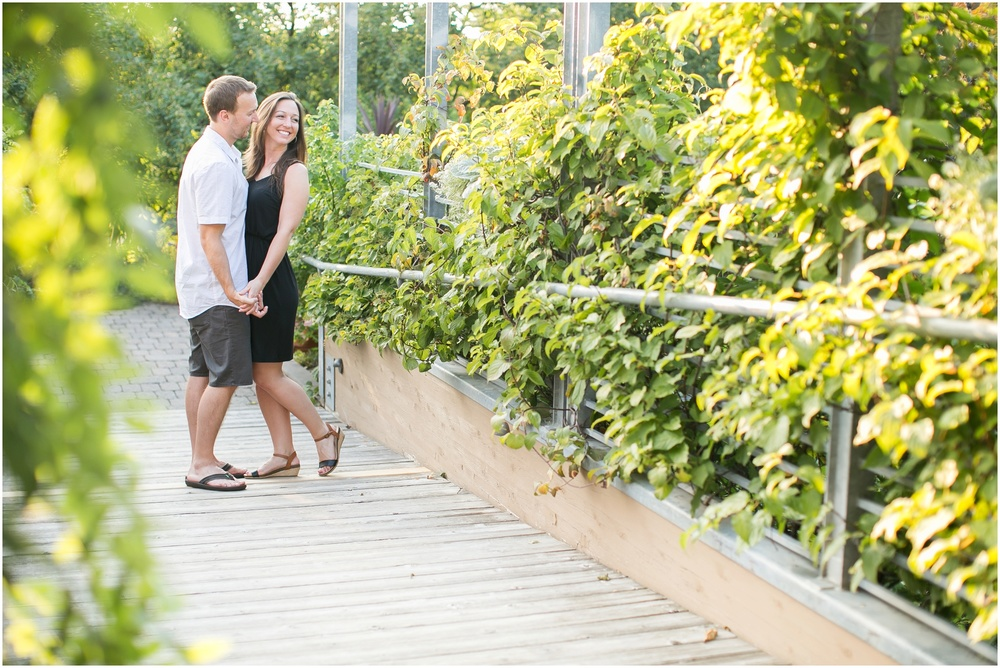 Olbrich_Botanical_Gardens_Madison_Wisconsin_Engagement_Session_0824.jpg