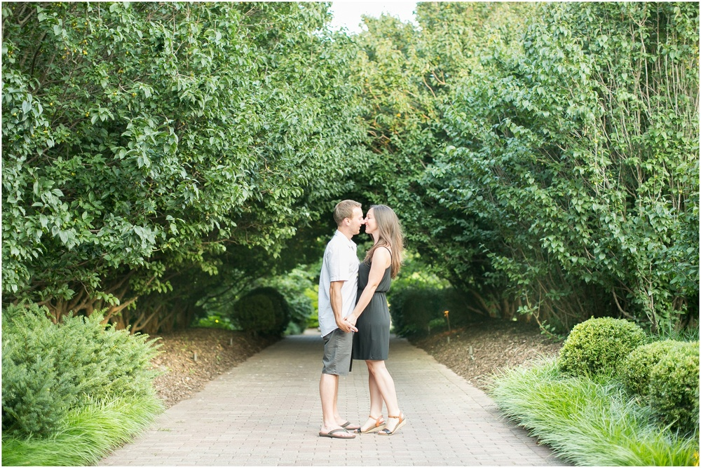 Olbrich_Botanical_Gardens_Madison_Wisconsin_Engagement_Session_0833.jpg