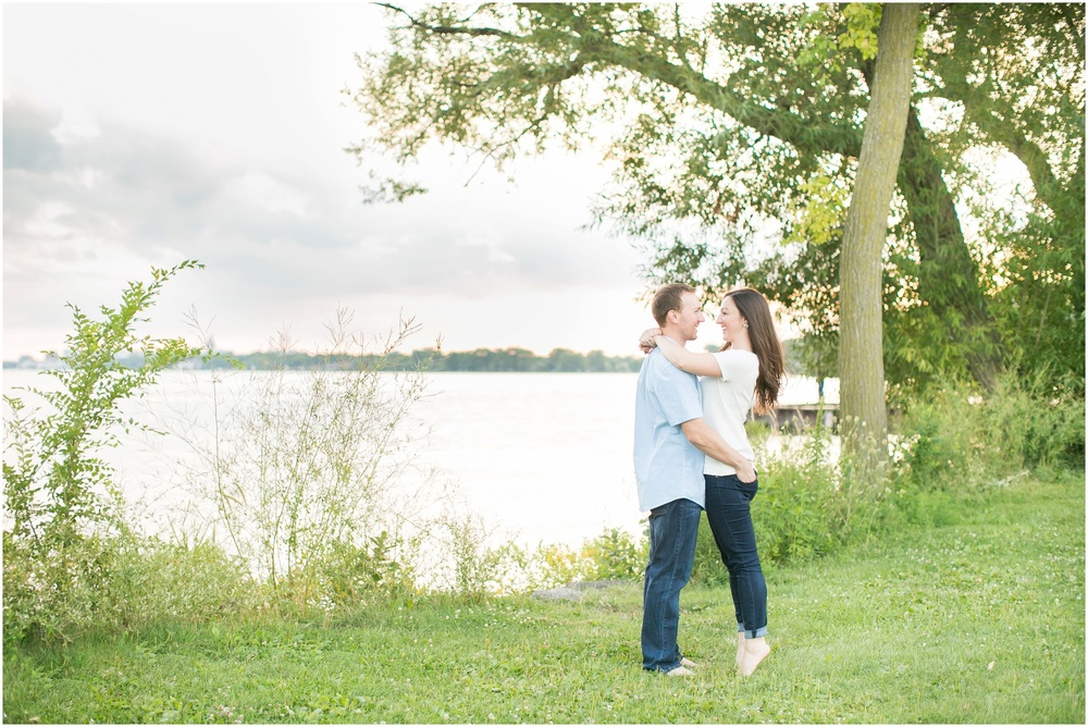 Olbrich_Botanical_Gardens_Madison_Wisconsin_Engagement_Session_0843.jpg