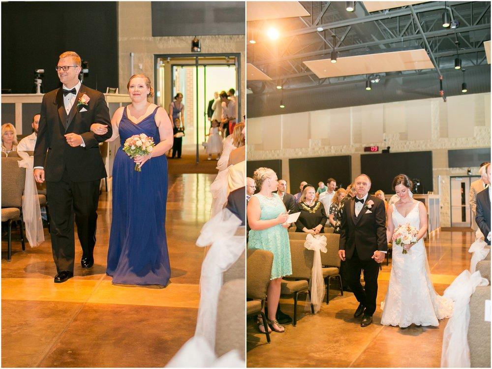 Madison_Wisconsin_Wedding_Photographers_BlackHawk_Church_East_Side_Club_0995.jpg